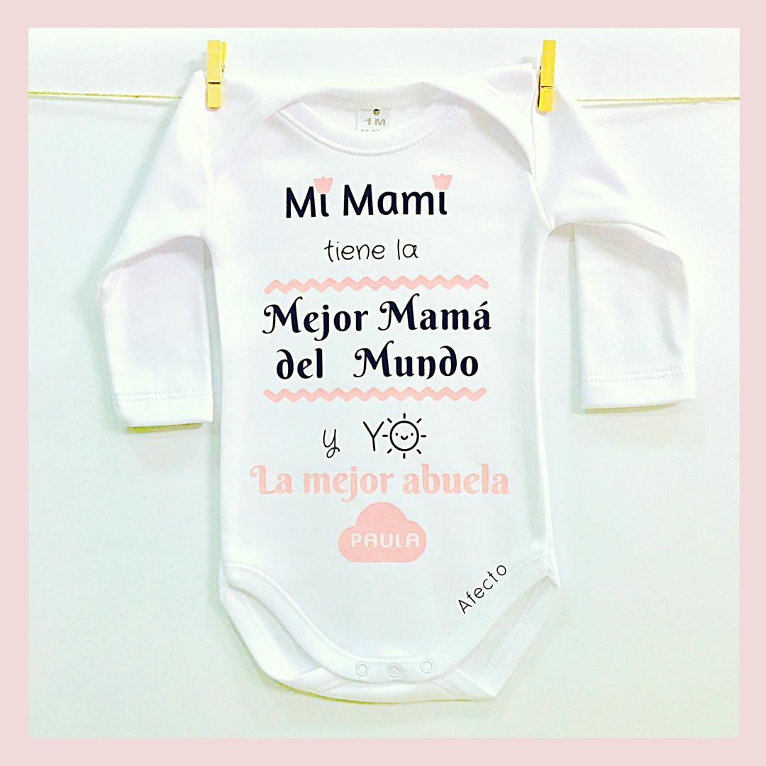 """1d9e34f6c Body personalizado """"La mejor mamá y abuela"""""""
