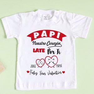 camiseta nuestro corazón late por ti